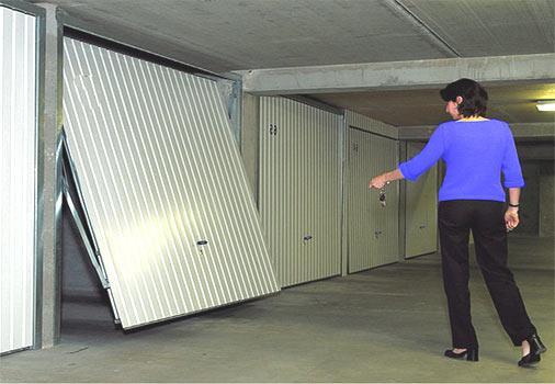 porte de garage sectionnelle paris dans l 39 le de france portes de garage portes de garage. Black Bedroom Furniture Sets. Home Design Ideas
